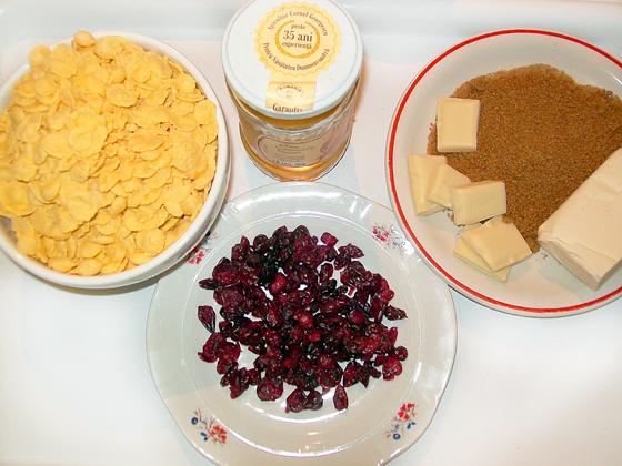 ingrediente baton de cereale cu fructe deshidratate