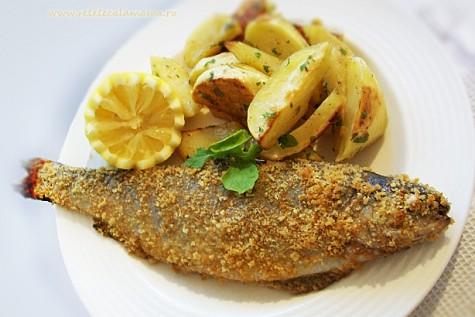 Preparare Pește prăjit în crustă de mălai, cu mujdei și mămăligă 4