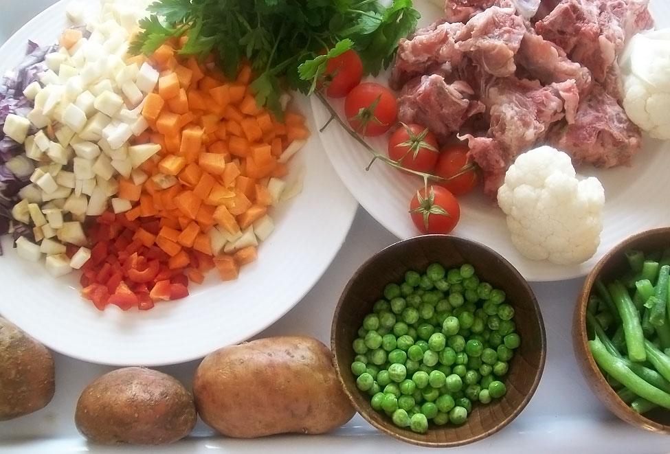 ingrediente-ciorba-cu-oase-de-porc-reteta-ciorba-de-legume-cu-oase-de-porc