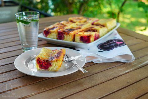 Strudel de vară – ștrudel cu vișine și brânză de vaci, în două culori