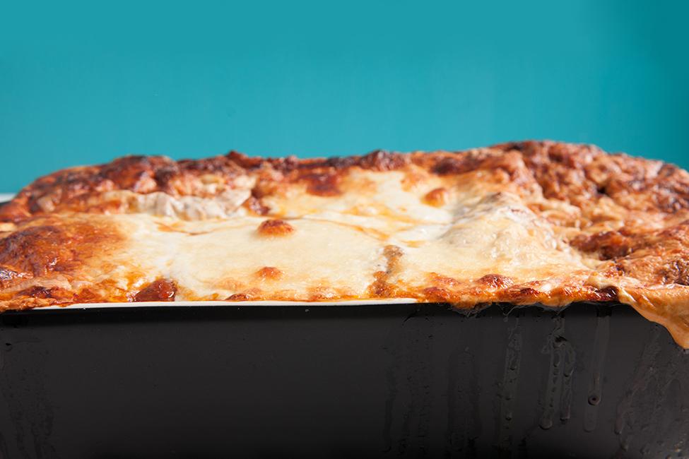 lasagna coapta final in tava reteta lazania lazane lasagna