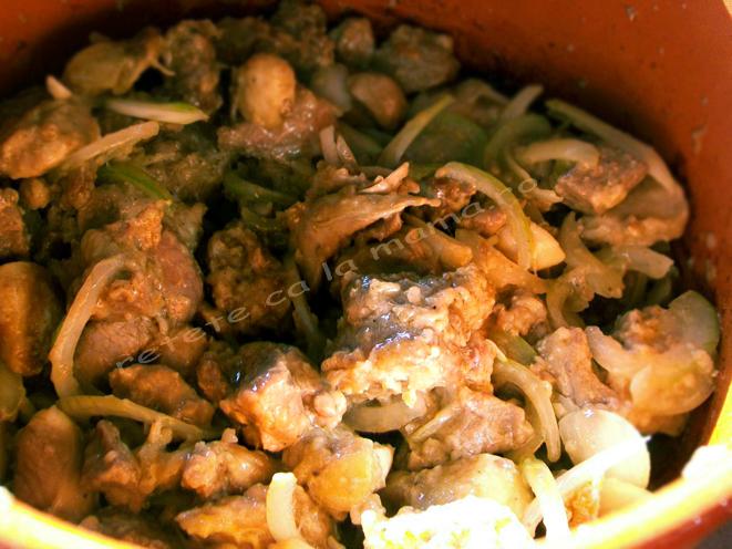 vitel inabusit in vin, sub crusta rumena de aluat preparare 4