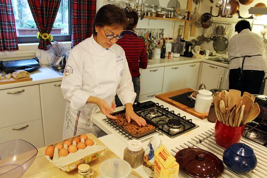 Preparare Cantuccini - biscuiti italieni 4