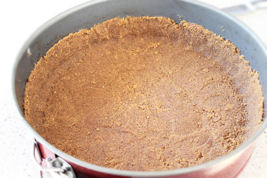 preparare reteta cheesecake, prajitura cu branza 3