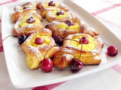 Preparare Daneze - danish pastry - tot un fel de croissants 1