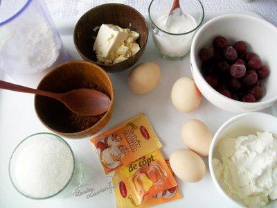 Preparare Muffins cu crema de branza si visine 2