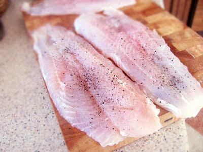 Preparare Peste in crusta aromata, la tigaia Dry Cooker 2