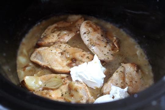 Preparare Piept de pui cu smantana si tarhon 8