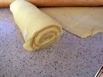 Preparare Placinta cu branza dulce 6