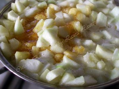 Preparare Tort cu mere si coniac 6