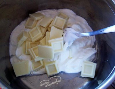Preparare Tort cu zmeura si iaurt -Fluturi albi in zmeuris- 4