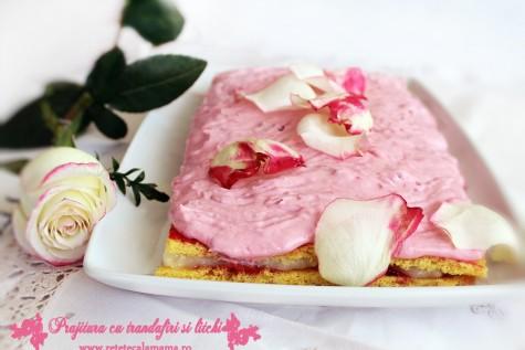 Prajitura cu litchi si trandafiri