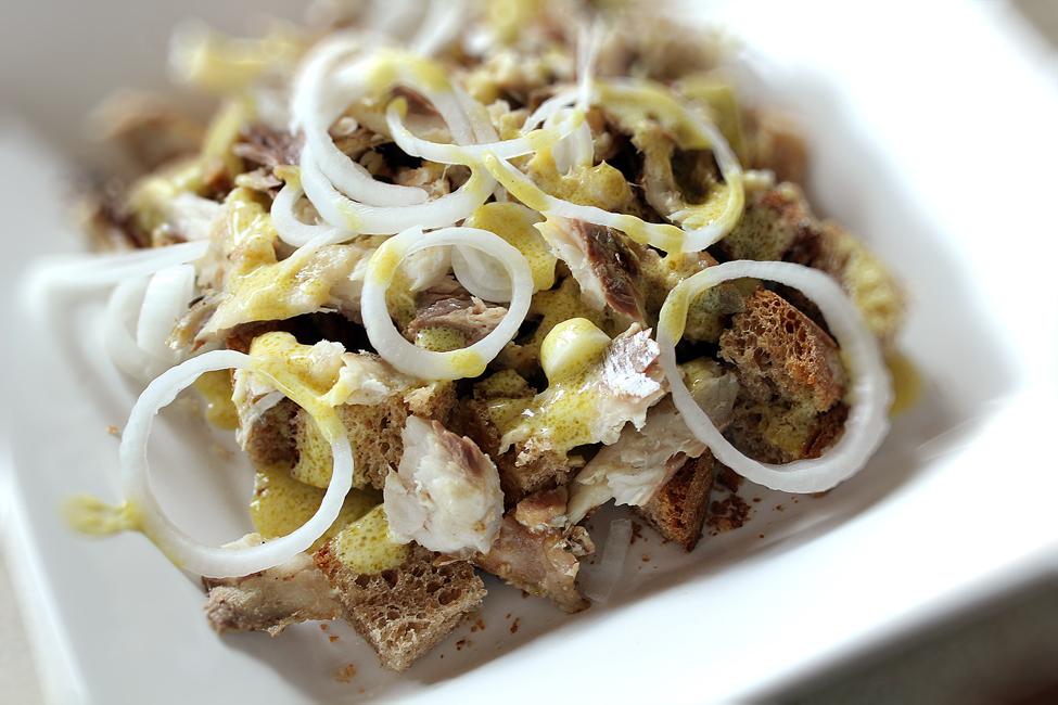 salata de peste cu rucola preparare 3