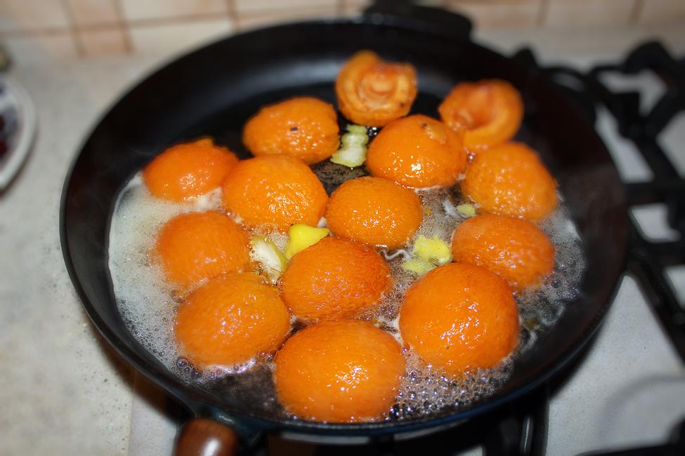 prajitura cu caise si mascarpone reteta pas cu pas, preparare caise posate