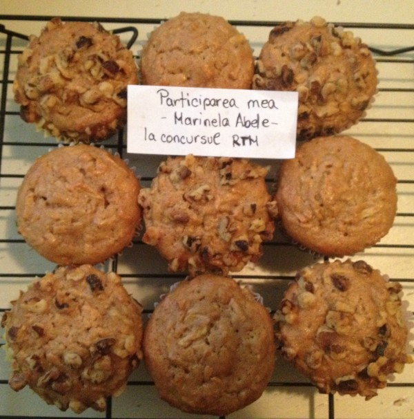 Muffins cu mere, zahar brun si scortisoara by Marinela Abele