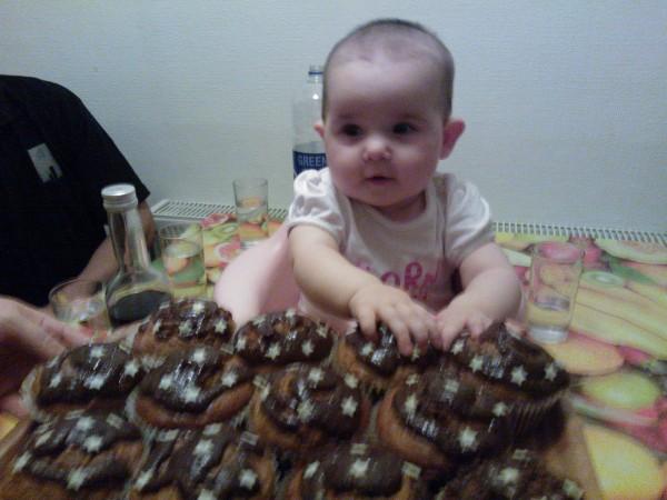Muffins cu mere, zahar brun si scortisoara by lidia