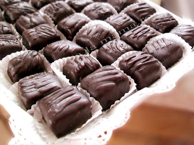 Ciocolata de casa umpluta cu cocos