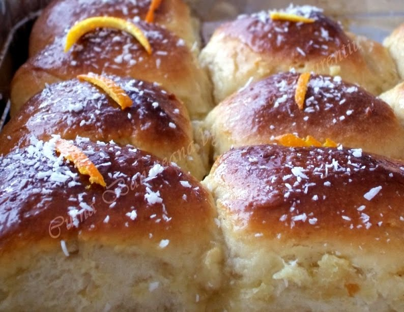 cuiburi pufoase cu portocale si cocos 17
