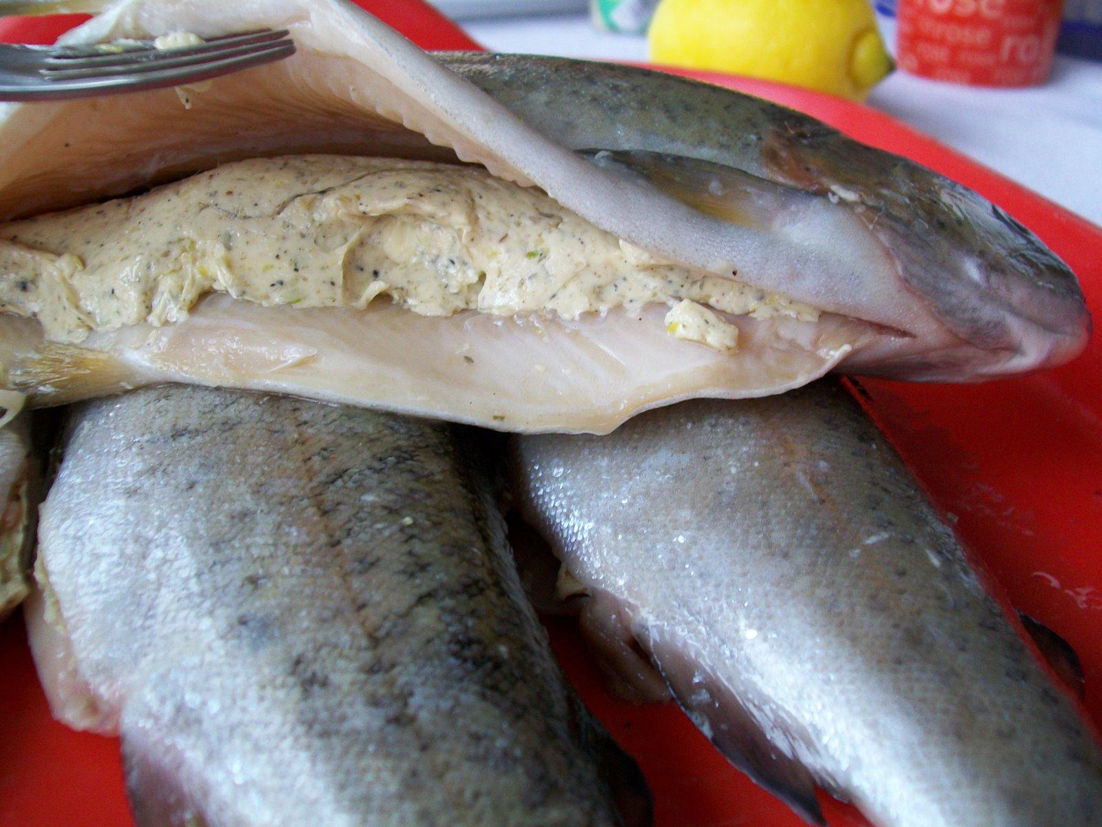 mod de preparare pastrav a la vennitiene la cuptor - pas 2