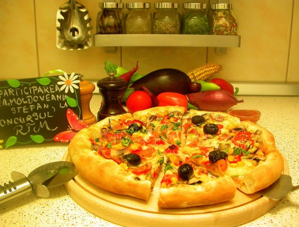 Reteta video: Pizza vegetariana – de post by stefanpizza