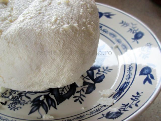 prajitura cu branza si mere caramelizate branza proaspata