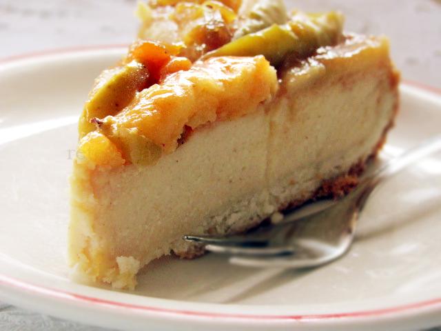 prajitura cu branza si mere caramelizate felie