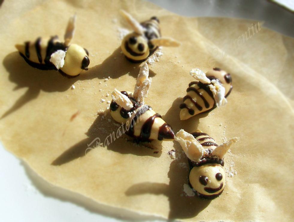 prajitura rulada cu miere si nuci 10