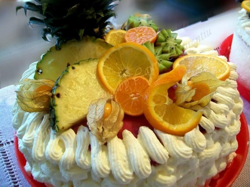 tort cu fructe si frisca 12