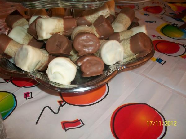 Minioane cu alune si napolitana by Geaninna
