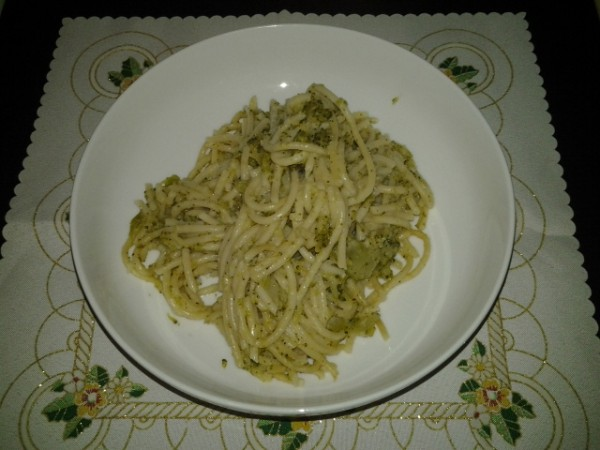 Spaghetti cu broccoli by DanaP.