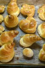 Painici impletite pufoase, cu lapte – Reteta Video by Marga