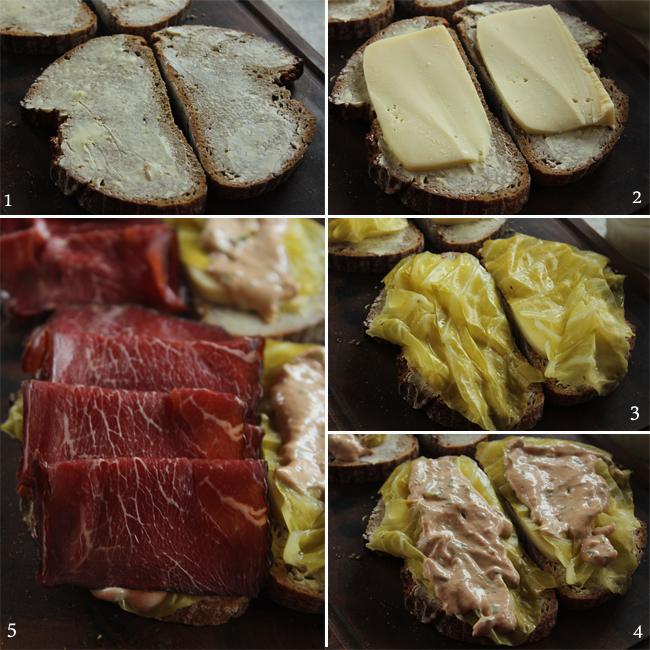 preparare sandwich reuben