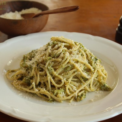 Spaghetti cu broccoli