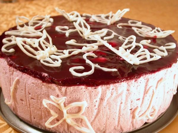 Tort cu zmeura si iaurt -Fluturi albi in zmeuris- by stefanpizza