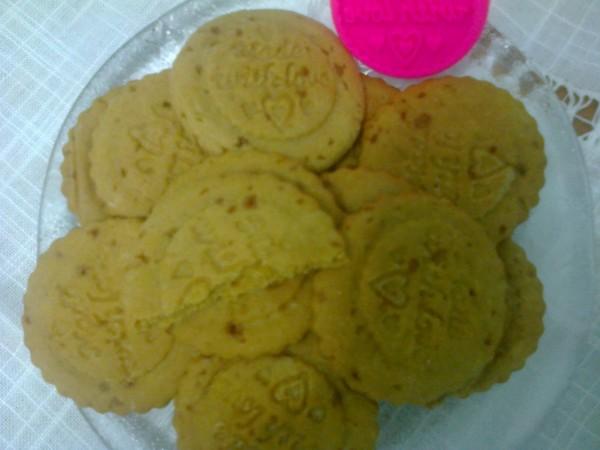 Biscuiti cu caramel by rafaela