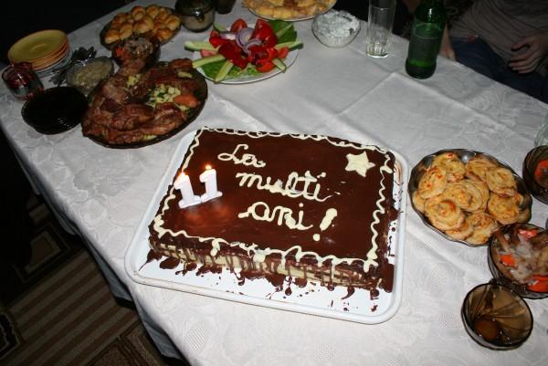 Tort cu mousse de ciocolata alba si visine by momo