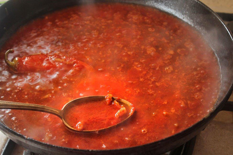sosul pentru spaghetti amatriciana