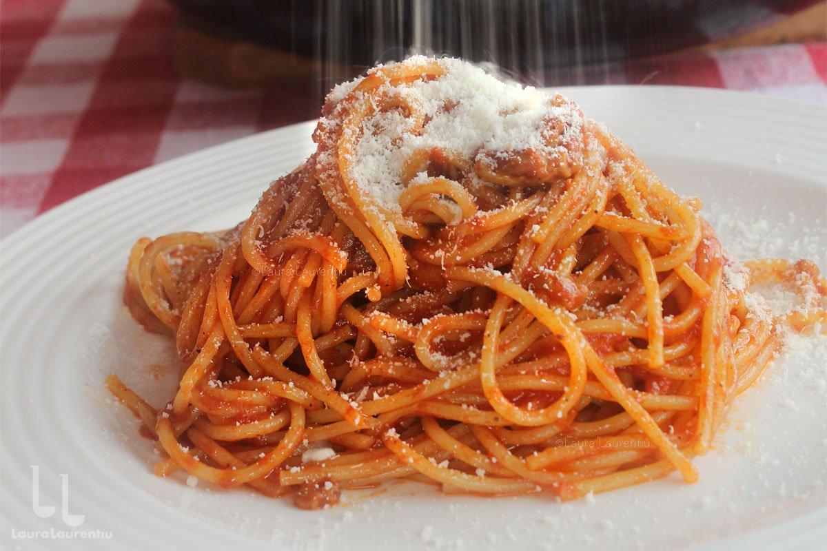Spaghetti all'Amatriciana - rețetă pas cu pas