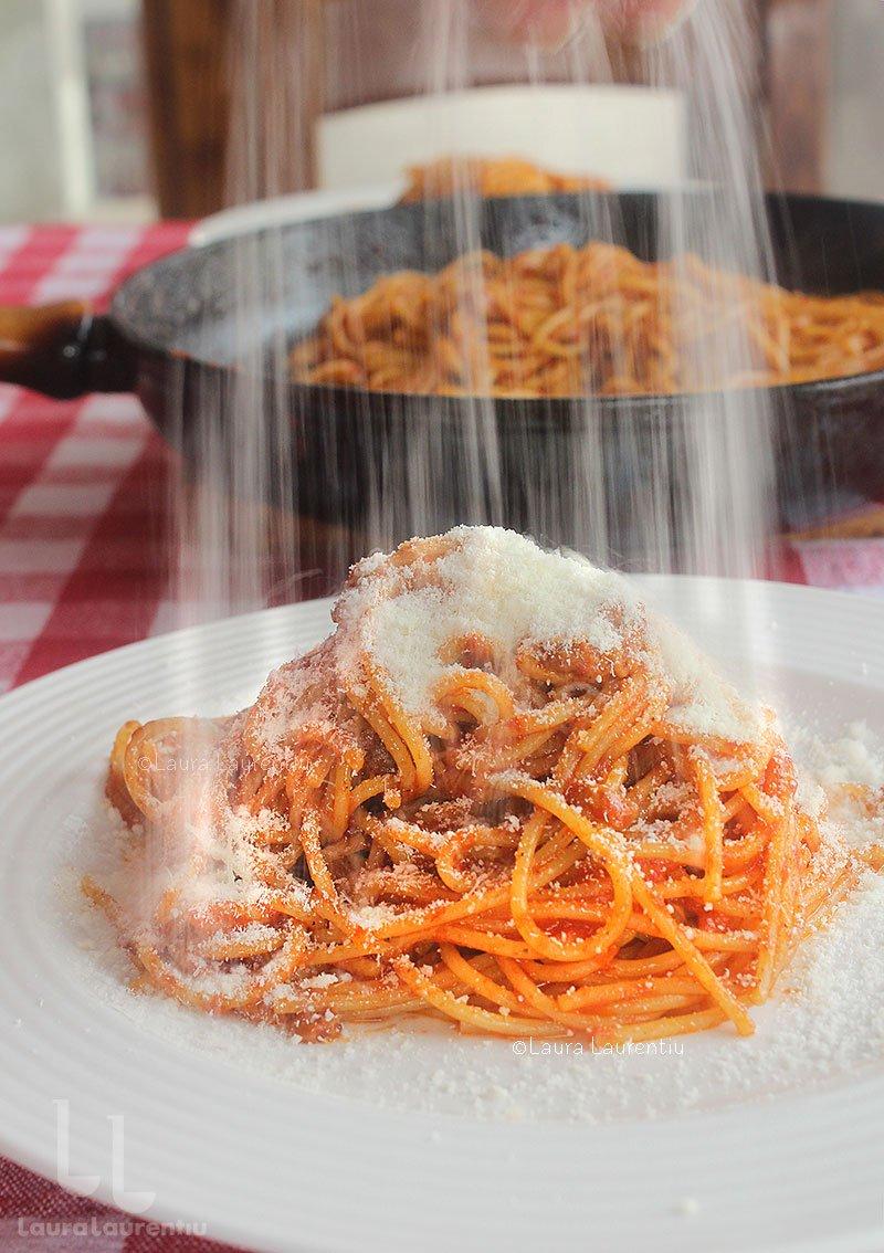 spaghetti all amatriciana reteta originala italiana pas cu pas reteta