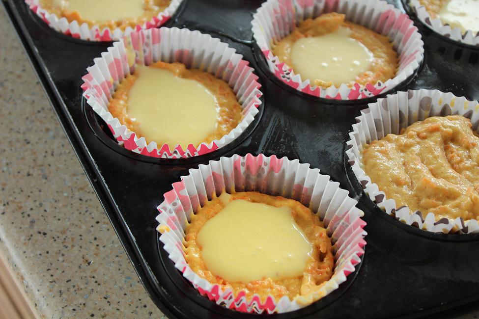 cpcakes cu morcovi si crema de branza preparare 1