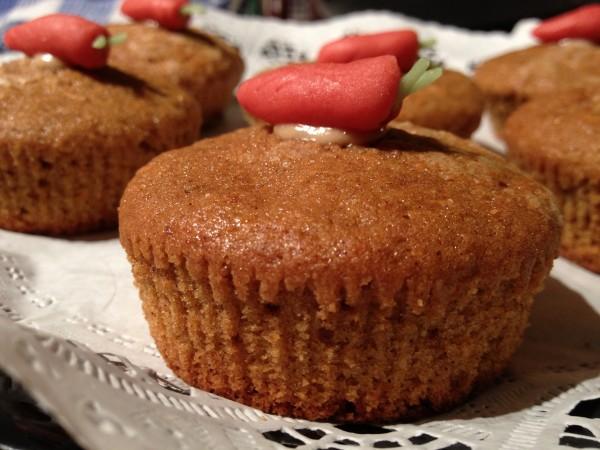 Cupcakes cu morcovi si crema de branza by Blueiris