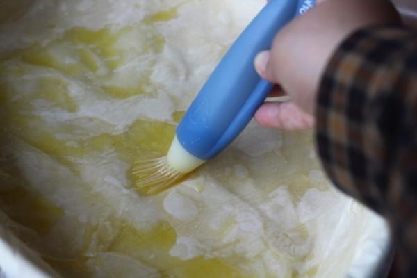 preparare placinta greceasca cu branza si dovlecel 1