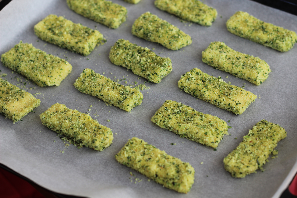 Preparare chipsuri de mamaliga cu ierburi aromatice 2