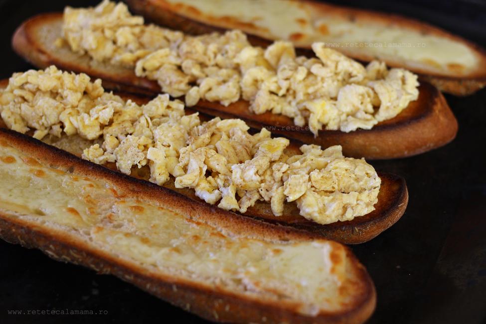 preparare sandwich cu sunca si ou 3