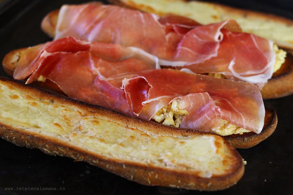 preparare sandwich cu sunca si ou 4