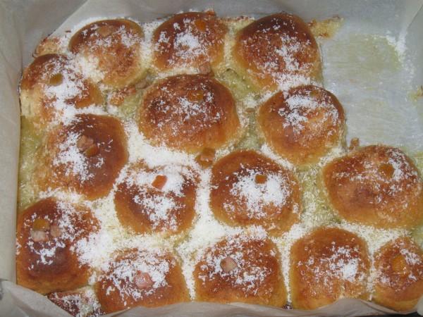Cuiburi pufoase cu portocale si cocos by CrisetenO