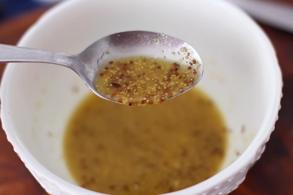 dressing salata cu mustar dijon a l ancienne
