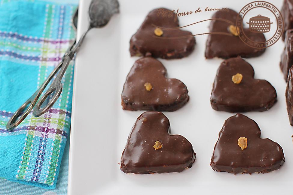 Petit fours din biscuiti 2