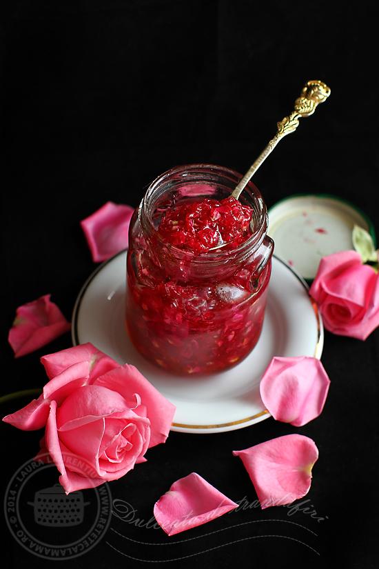 Dulceata de trandafiri