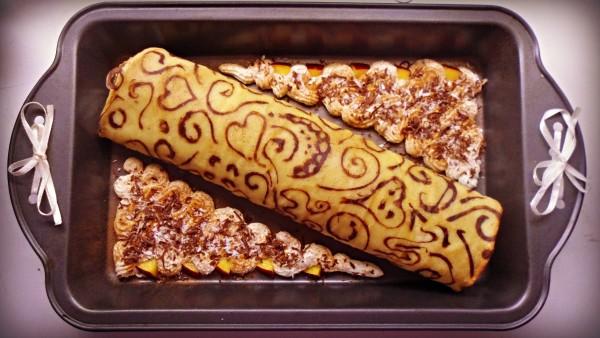 Rulada cu capsuni si crema cheesecake by NicoletaFaina
